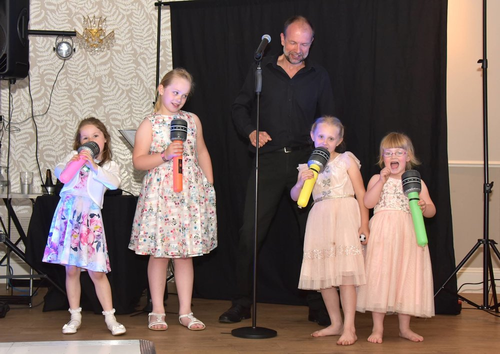 Wedding, Party and Birthday Singer for hire.