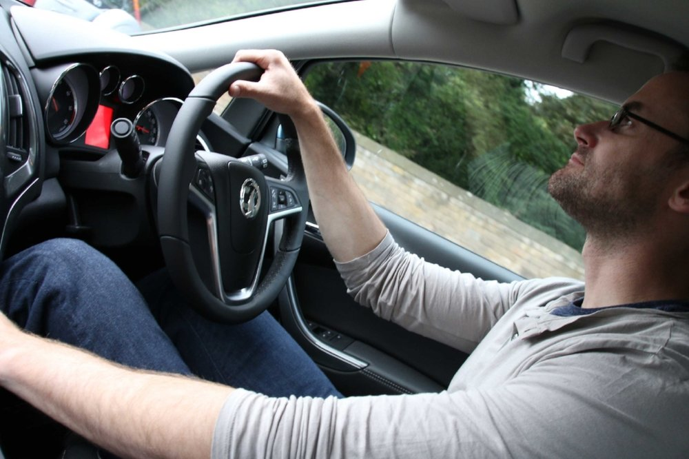 tips-for-driving-in-scotland-and-england-post.jpg
