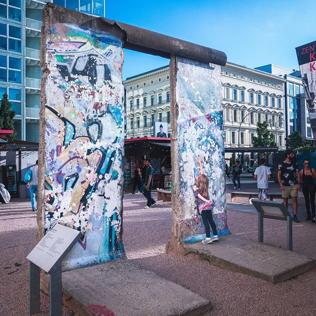 Imagining what life must have been like when the Berlin wall was up. Honestly, I have no idea. I am thankful that I did not have to experience this first hand. Eleanor just liked looking at the art. 😇#cantbelievethiswasinmylifetime . . .  #berlinwall #berlinwallart #berlinwallmemorial #berlinwallgraffiti #visitberlin #visitgermany #seetheworldtogether #familytravels #familytravelblog #familytrip #familyholiday #travelwithkids #takeyourkidseverywhere #livinghistory #kidsthattravel #kidswhotravel #kidsworld #traveltogether #travelfamily #travelfarandwide #girlsthattravel #kidtravel #travelkids #traveltheworldwithme #traveltheworldwithus #travelmoment #travelmom #familytravelblogger #surrealmoment