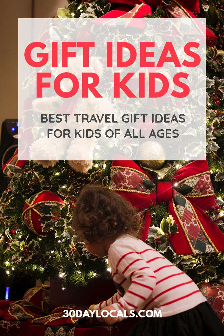 Gift Ideas for Kids that Travel. Best travel gift ideas for kids of all ages (from tots to teens) #holidaygifts #holiday #christmasgift #giftidea #giftguide #kidsholiday #kidschristma