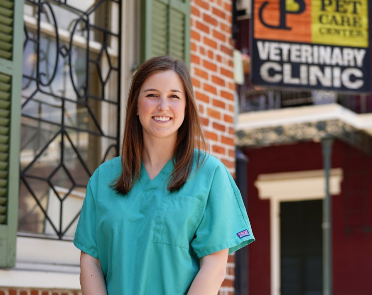 Dr. Kristen Ballard  (In-house relief)    Dr. Kristen Ballard was born in Baton Rouge and raised in Prairieville, Louisiana. She attended Louisiana State University where she received her Bachelor's Degree in Animal Science. She then attended LSU School of Veterinary Medicine where she received her Doctorate of Veterinary Medicine in 2018.