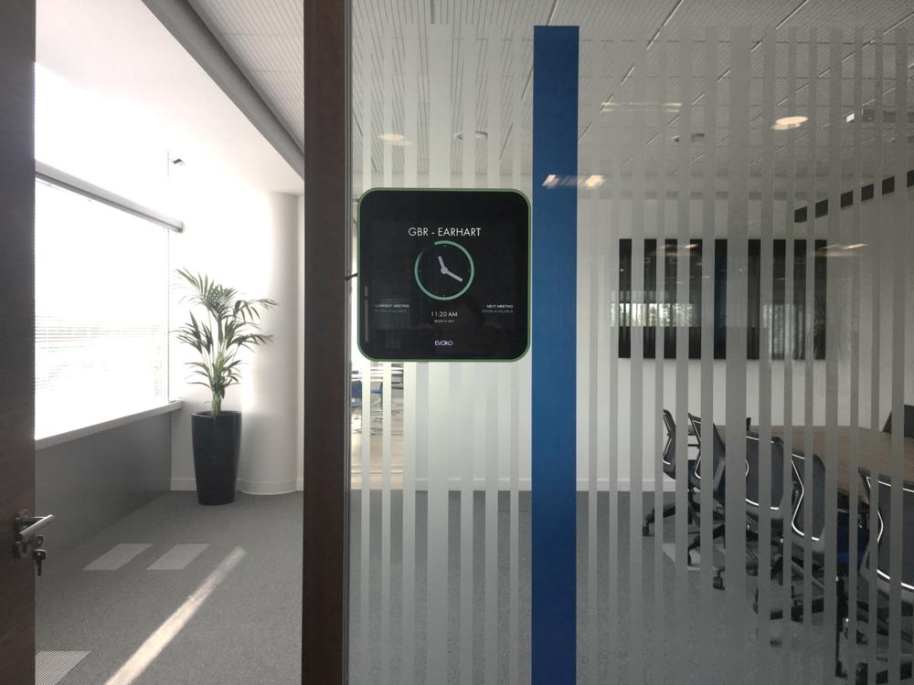 Amadeus Gatwick - Evoko Liso room booking systems.