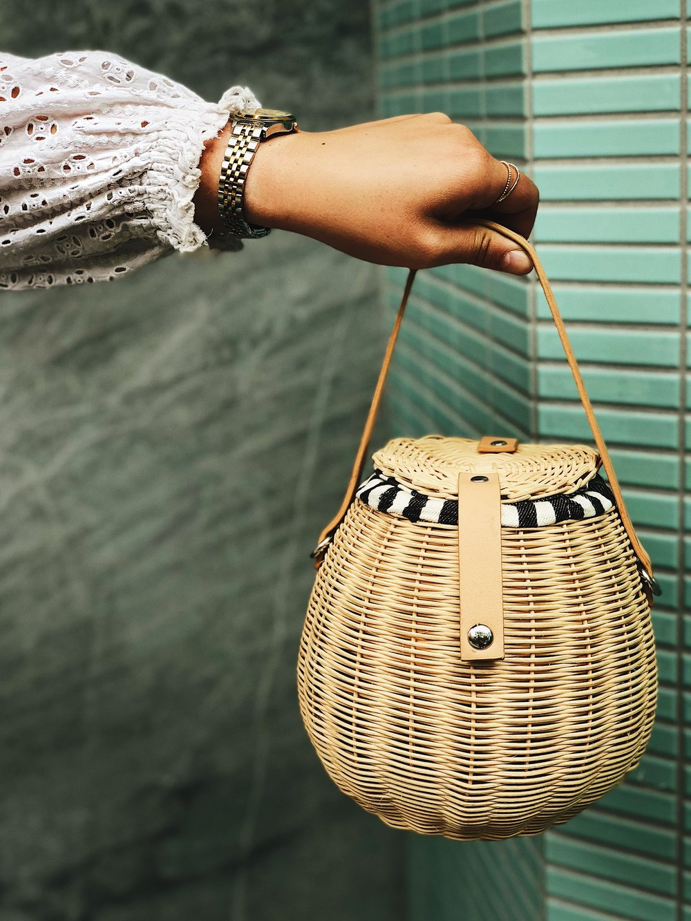 Summer trend to watch: - For the third summer in a row, basket bags aren't going anywhere. Wear the oversized version to the beach, a cute bucket version for strolling around the city, or a chic shoulder bag version for a night out.