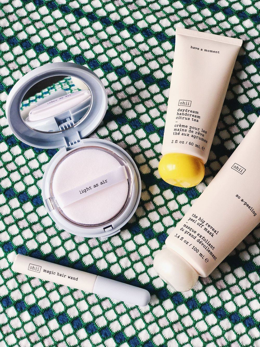 """a fresh line of fun products meant to fill in the blanks of your beauty routine."" - If you haven't heard of Ohii yet, this is a brand new beauty brand by Urban Outfitters. It's vegan, so you can feel good putting it on your skin, and then it's just packaged in a cute, simple way. Very much to my liking. I've tried out some of the new Ohii products, so I thought I would run you through my thoughts."