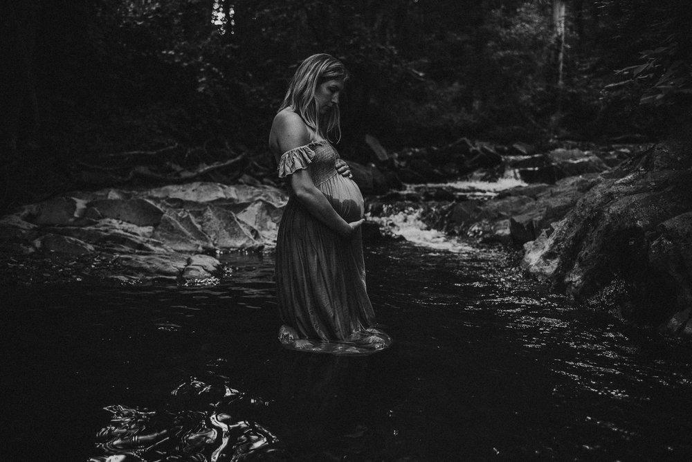 JulieMiller.Maternity.June2018-35.jpg