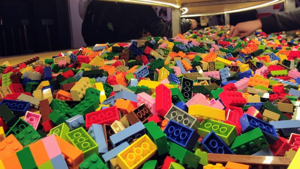 Brick Specialist - LEGO Brand Retail