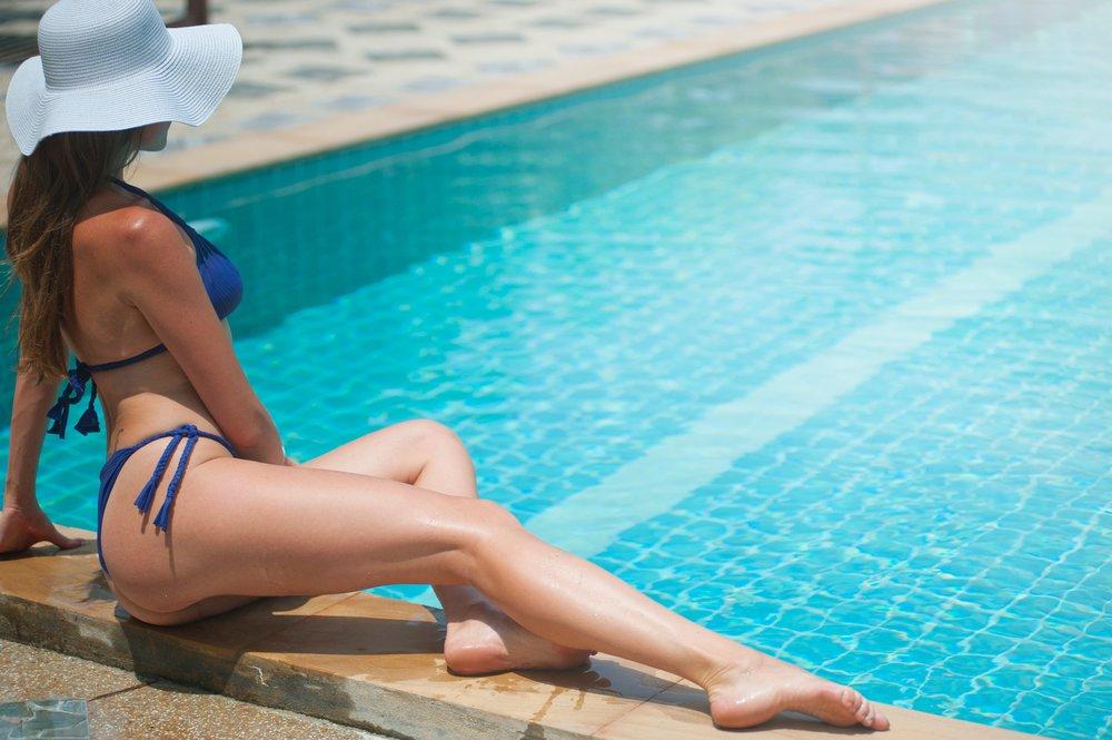 back-beach-hat-bikini-1006310.jpg