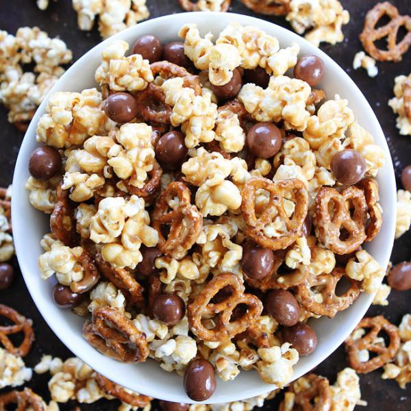 Peanut-Butter-Pretzel-Popcorn-2