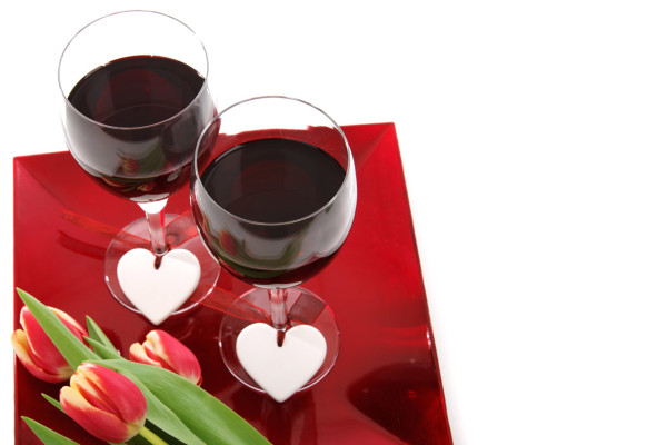 red-wine-on-plate-871297272439bV0