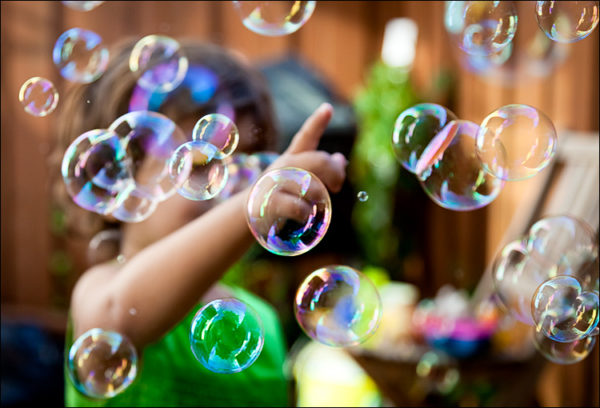 lilia_bubbles_backyard_01-600x408.jpg