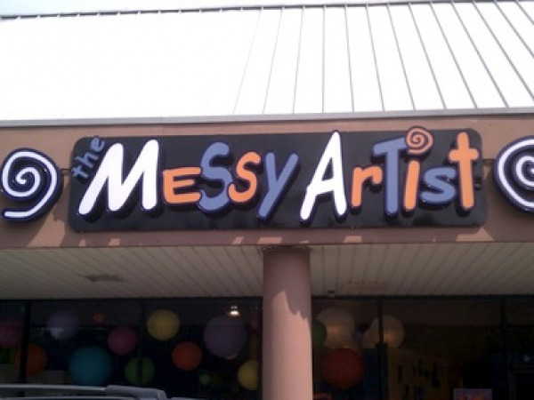 TheMessyArtistSign-600x450.png