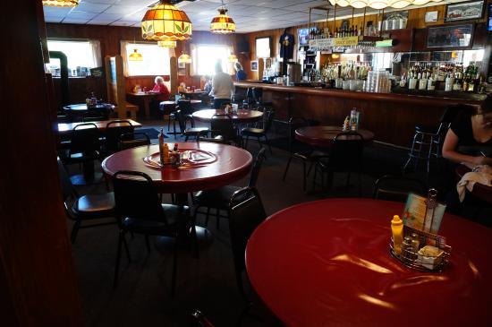Joe's Friendly Tavern - Unpretentious, wood-paneled hangout serving cocktails, burgers & American diner fare since 1946.1-231-326-5506