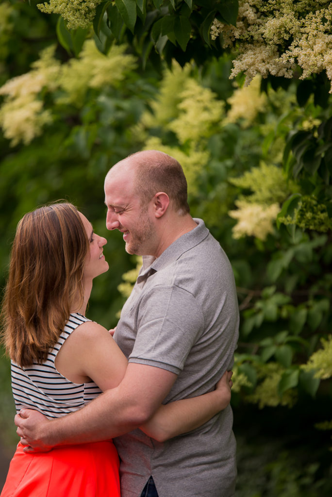 cantigny-park-engagement-session-8-of-20-684x1024.jpg