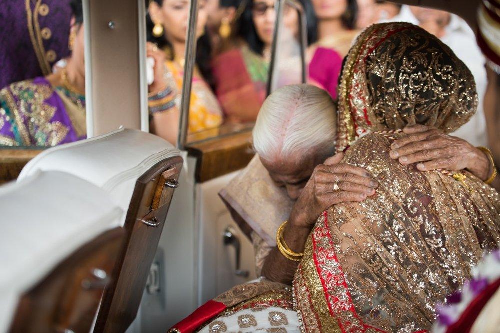 Ashton Place Hindu Wedding Photographer-111