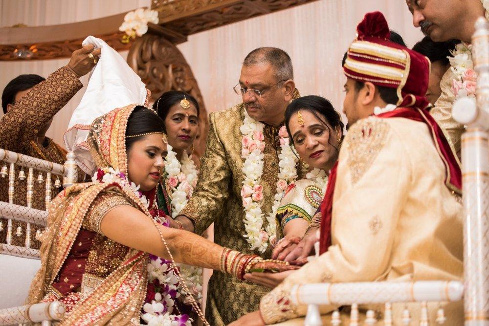 Ashton Place Hindu Wedding Photographer-77