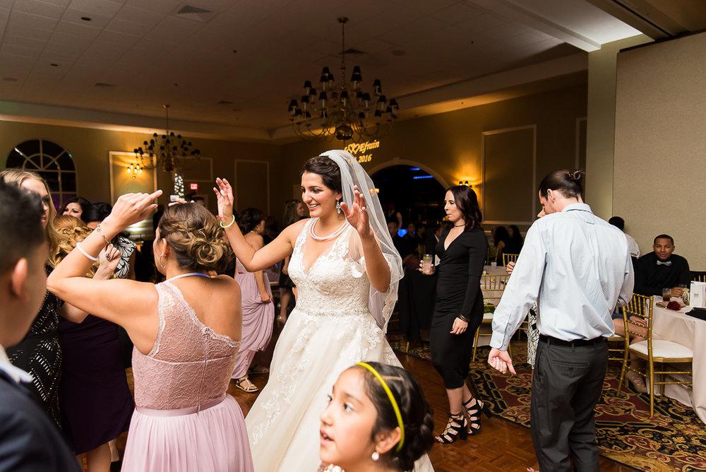 tuscany-falls-wedding-photographer-225-of-119.jpg