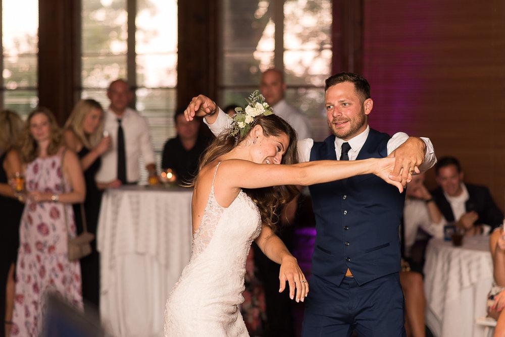 starved-rock-wedding-photographer-603-of-869.jpg