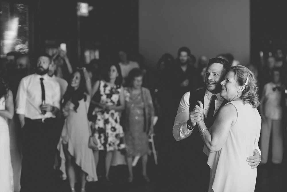 starved-rock-wedding-photographer-642-of-869.jpg