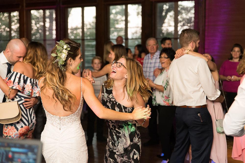starved-rock-wedding-photographer-670-of-869.jpg
