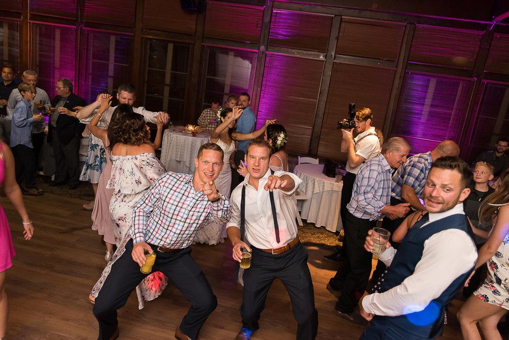 starved-rock-wedding-photographer-761-of-869.jpg