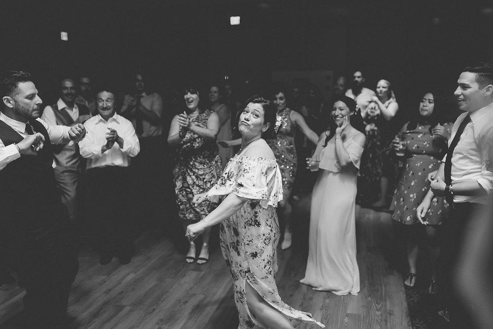 starved-rock-wedding-photographer-778-of-869.jpg