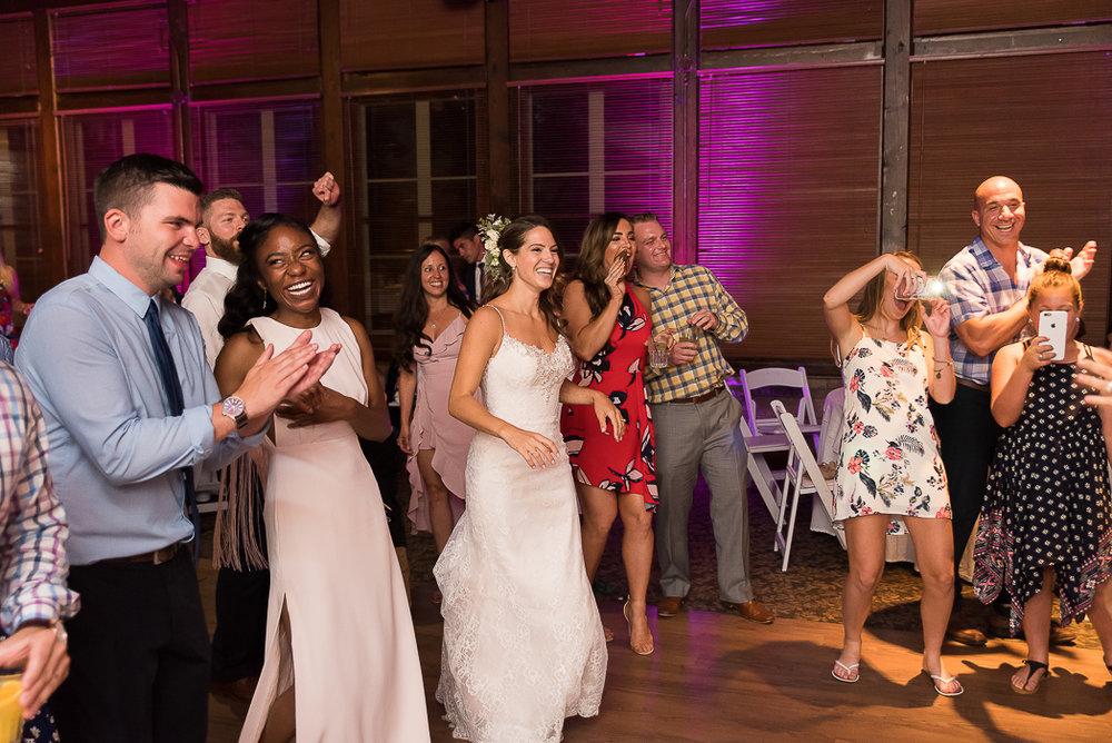 starved-rock-wedding-photographer-780-of-869.jpg