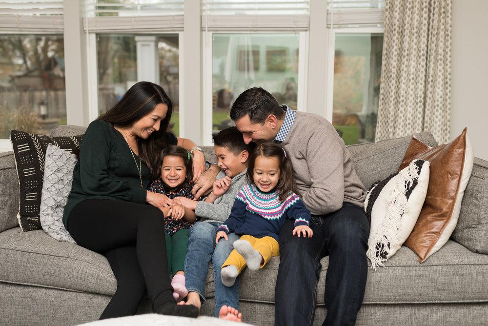 Elmhurst In-Home Family Portrait Photographer (1 of 4).jpg