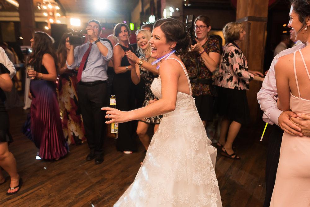 lacuna-artist-loft-wedding-photographer-142-of-149.jpg