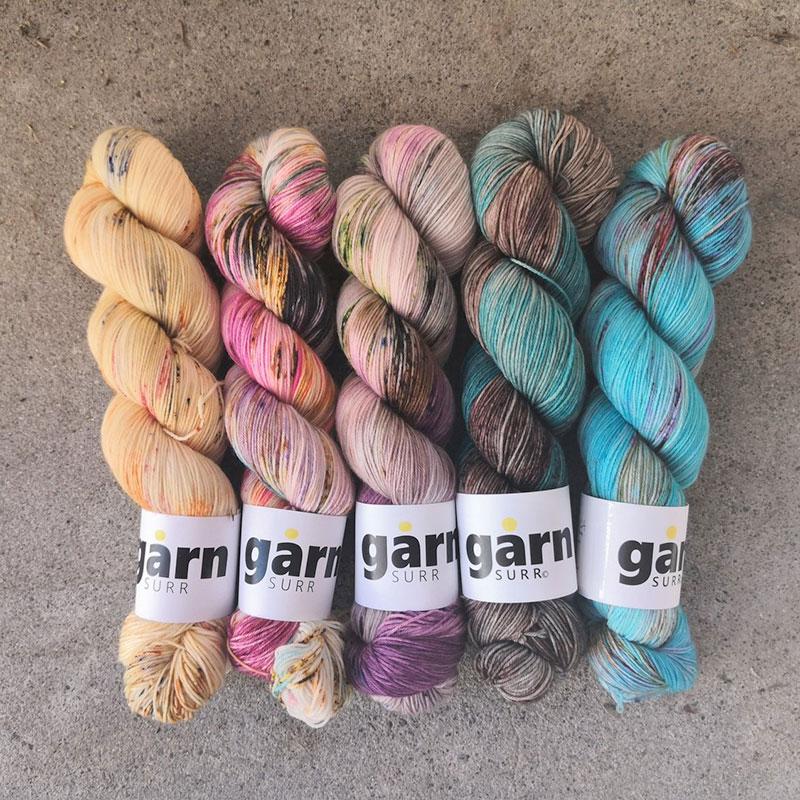 GARN SURRYarnsfade - A five skein kit fade kitSock yarn 25% nylon / 75% merino. For So Faded, Chevron Shenanigans...1000 kr