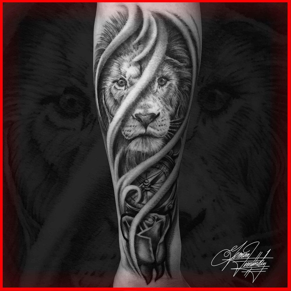 Black and Grey Lion Tattoo Clock Realism Realistic
