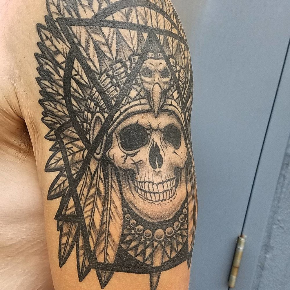 Geometric Native American Skull Indian Head Dress