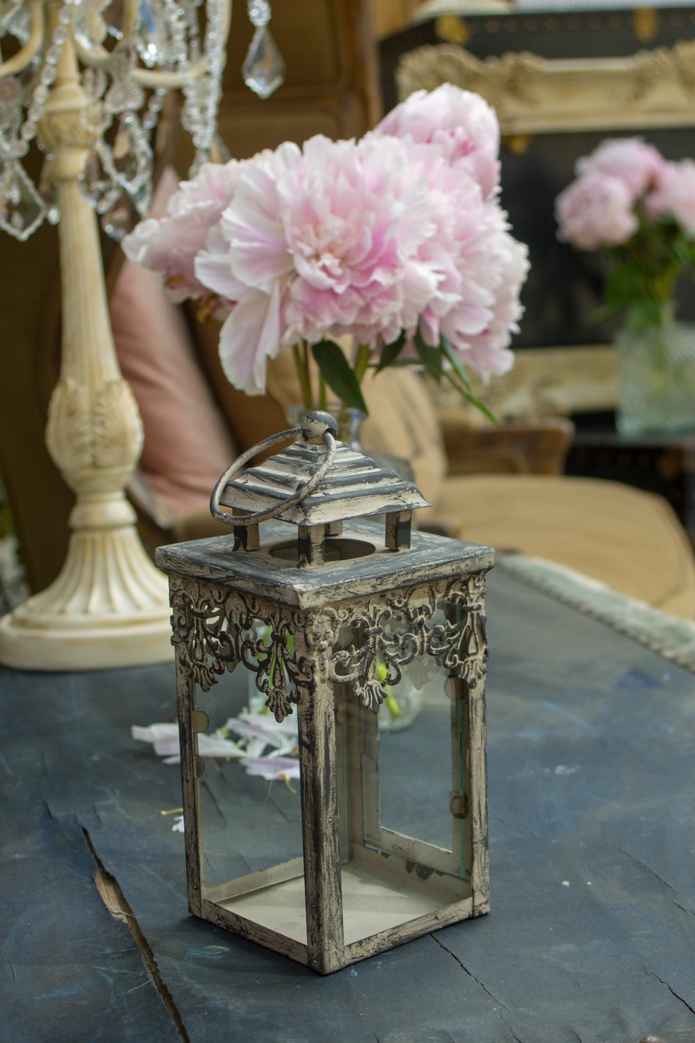 "Dark Distressed ""Lily"" Lantern"