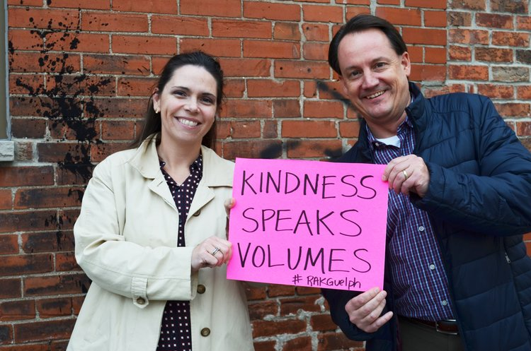 Dominique+and+Chris+kindness+speaks+volumes.jpg