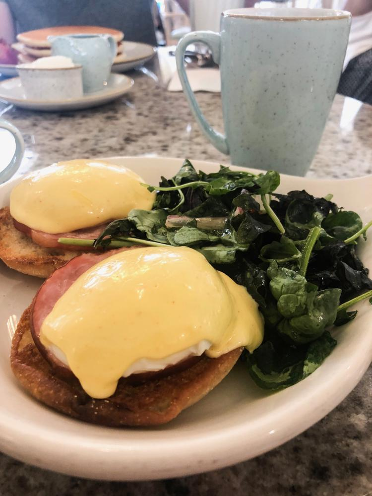 eggs benedict at grand floridian cafe