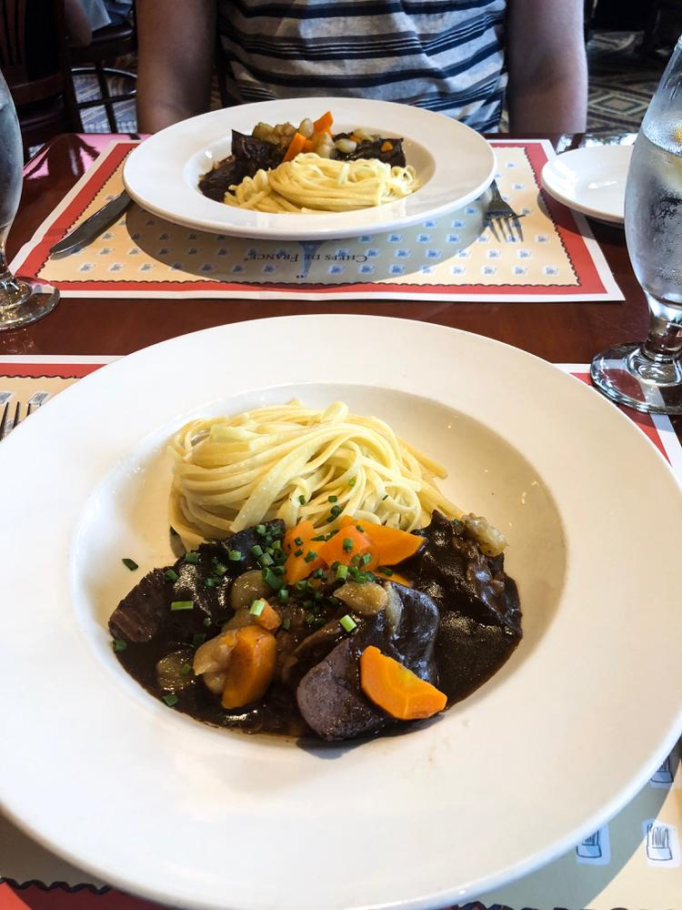 boeuf bourguignon at les chefs de france