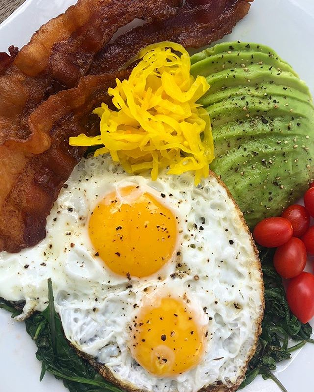 Crispy fried farm eggs, @pedersonsfarms paleo bacon, veggies, avocado, and turmeric kraut made today's brunch 🔥 ... ... ... ... ... ... ... ... #traderjoes #sugarfree #easymealprep #whole30breakfast #jerf #traderjoesfinds #whatanutritionisteats #whole30food #myfoodfreedom #foodfreedomforever #healthyfoodshare #cleaneats #cleaneating #keto #septemberwhole30 #paleoliving #paleodiet #nutritionaltherapy #lifeafterwhole30 #nogluten #glutenfree #nutritioncoach #iamwhole30 #nutritionist #ketodiet #glutenfreeliving  #whole30homies #whole30 #justeatrealfood #dairyfreeketo