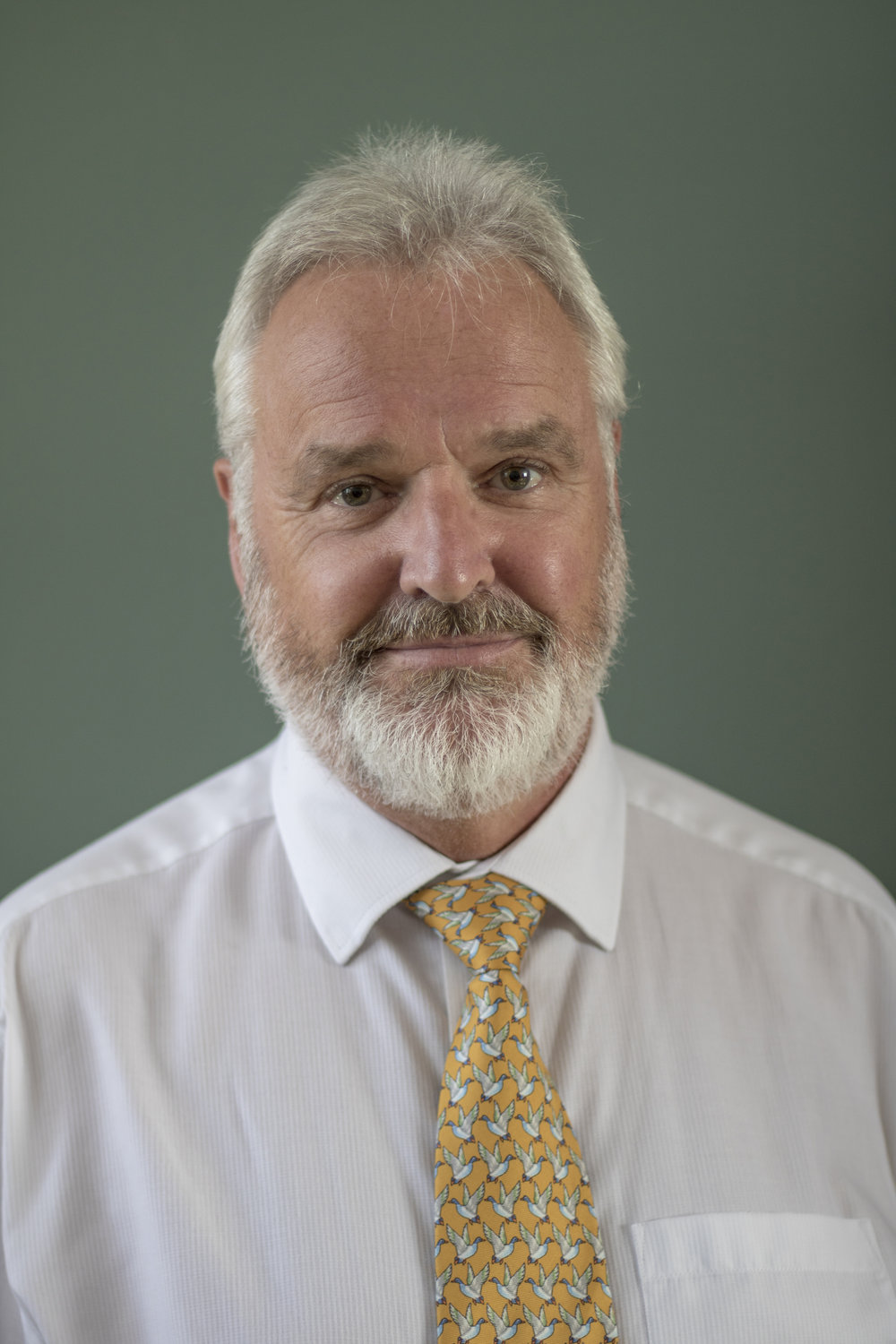 Ian McAlpine - TRUSTEE
