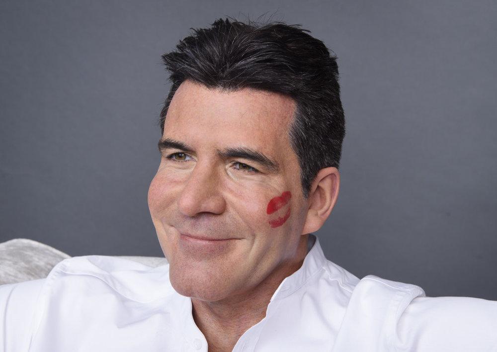 Simon Cowell Kiss.jpg