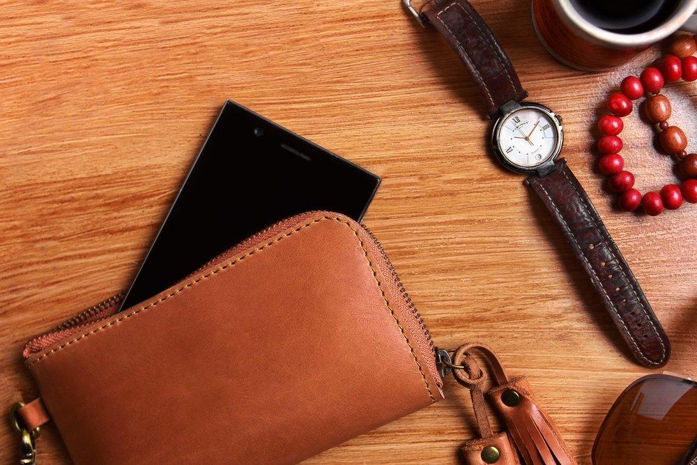flatlay-jewelry-leather-1132269.jpg