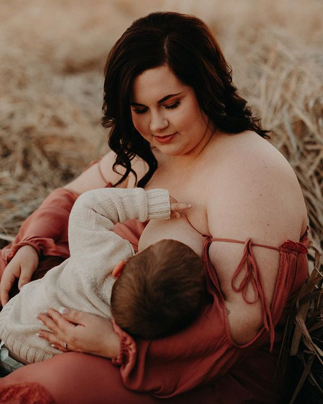I'm a little bit sad these beautiful fall tones are behind us but oh so excited to start shooting in the fluffy white stuff!! I have a hoar-frost maternity session in the planning stages ekkkk 😍
