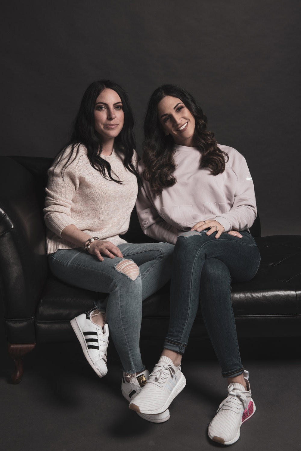 Our Story - We are Oriana and Sabrina, the founders of Atelier Bloom Montreal. Welcome to our workshop and creative space.After joining forces in November of 2017, we knew we had to make our mark on the contemporary art world.By combining our talents and focusing all our energy in our work, we hope to catch your eye and stand out amongst the crowd.