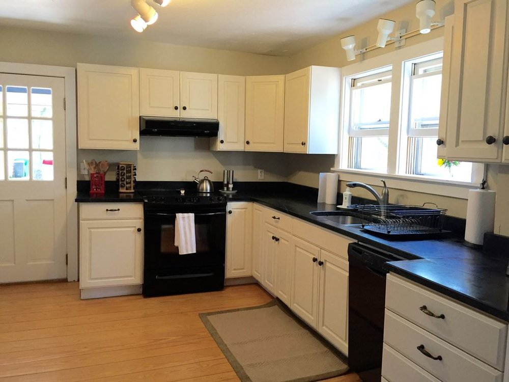 Main House: Beautifully Appointed Kitchen