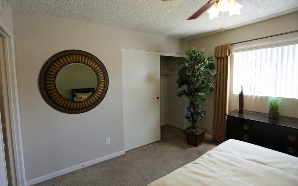 aventerra-apartments-fontana-ca-townhouse-2nd-bedroom (1).jpg