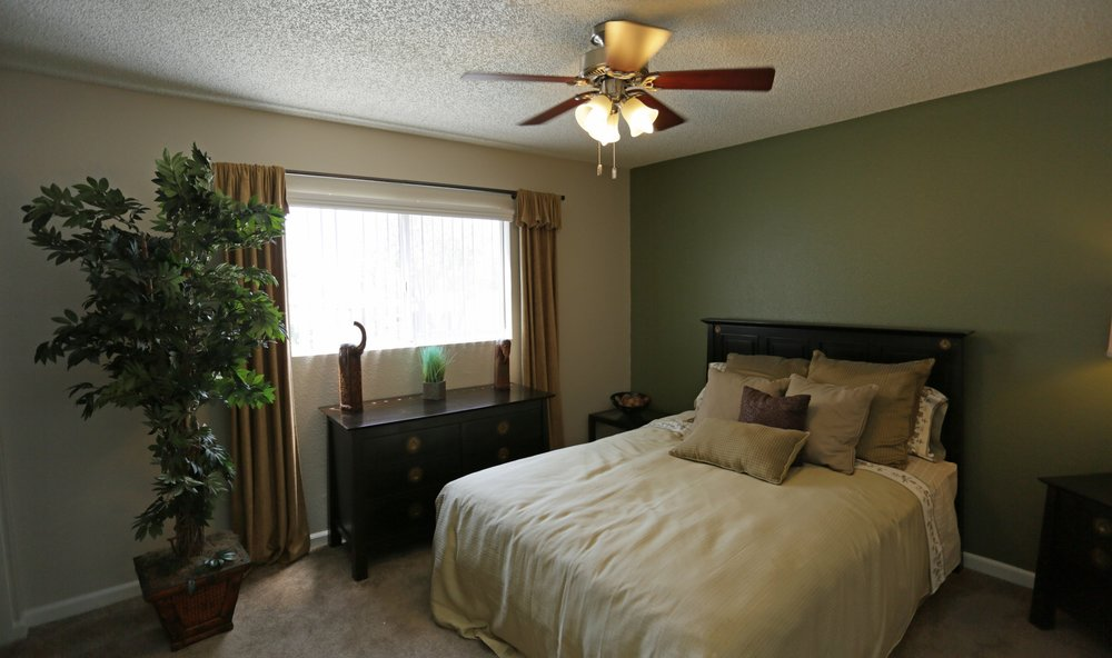aventerra-apartments-fontana-ca-townhouse-2nd-bedroom.jpg