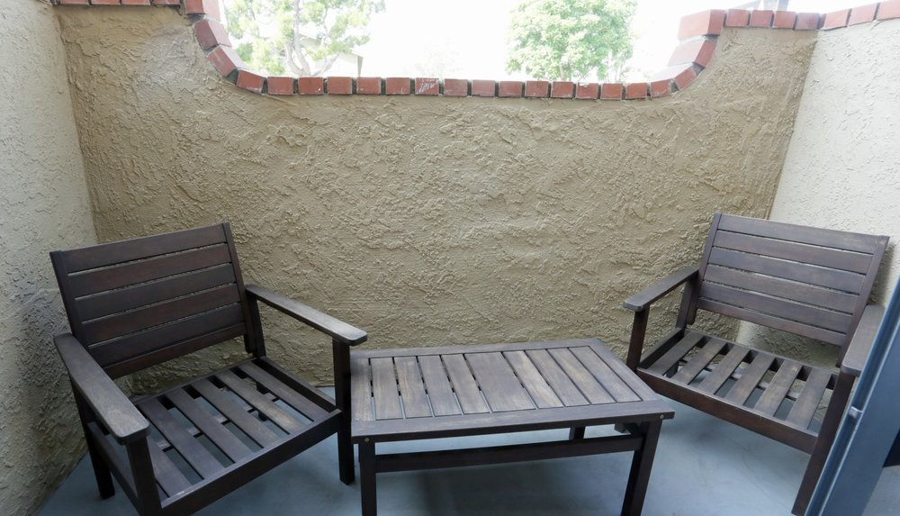 aventerra-apartments-fontana-ca-patio.jpg