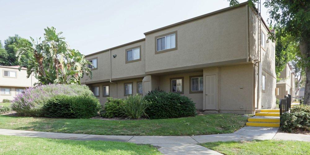 aventerra-apartments-fontana-ca-building (1).jpg