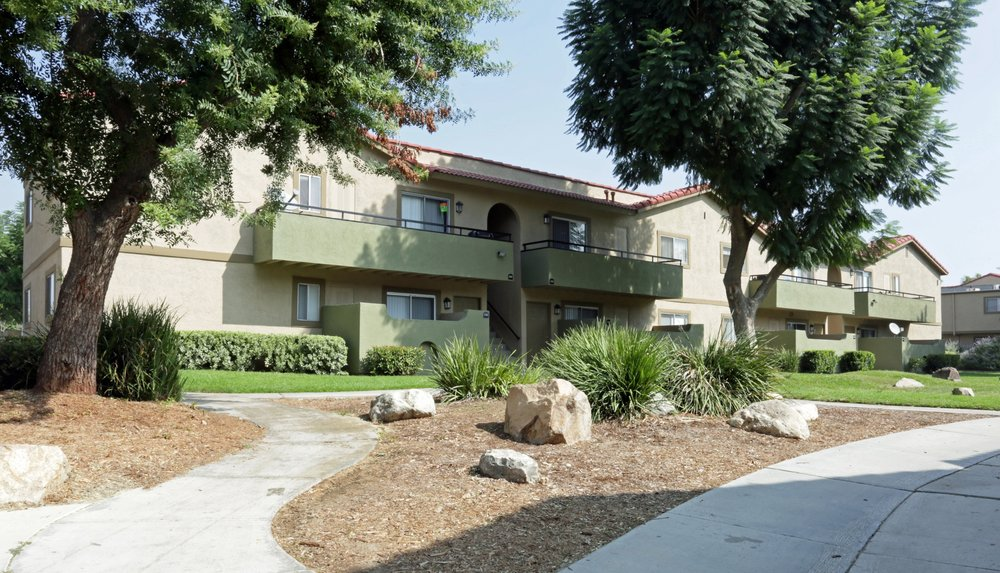 aventerra-apartments-fontana-ca-building.jpg