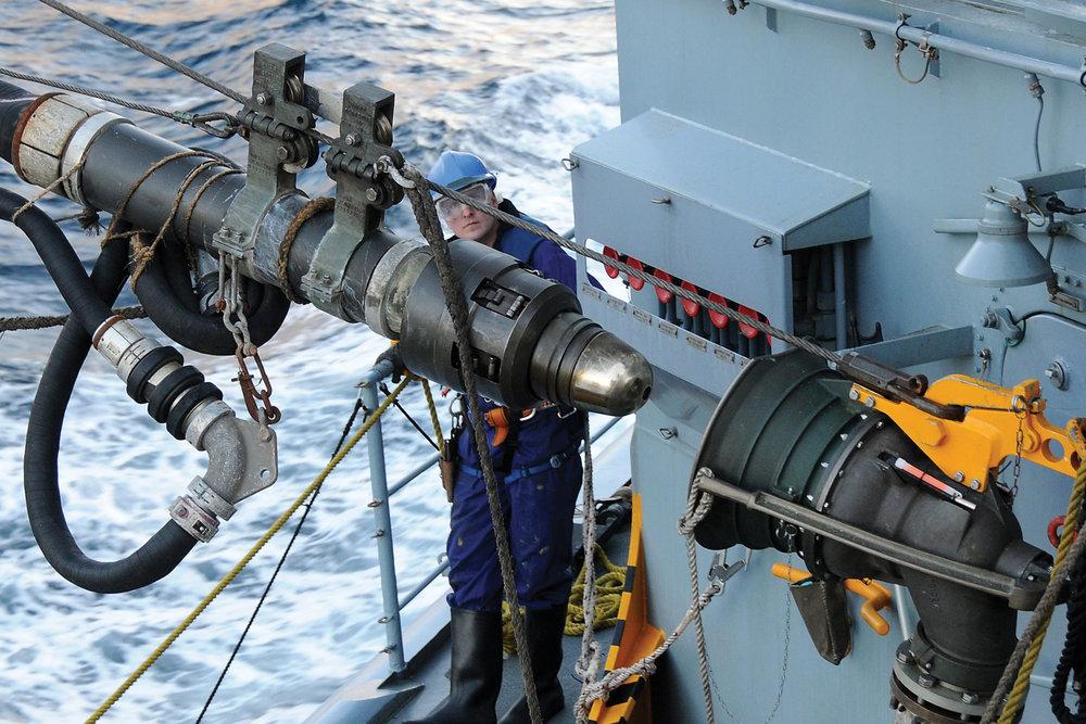 navy hose.jpg