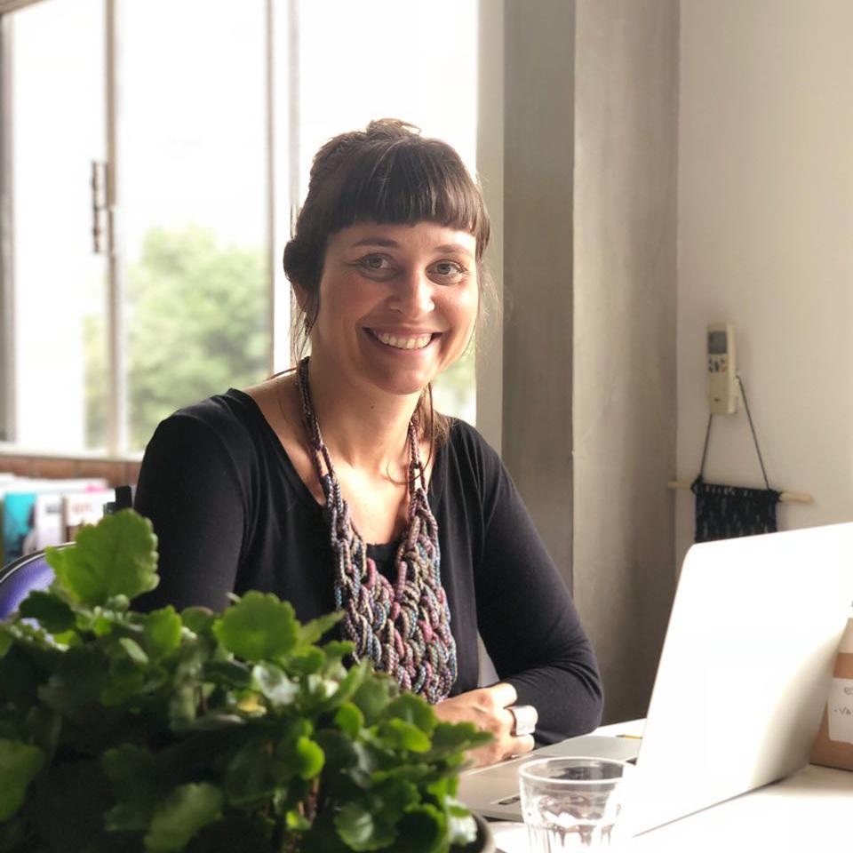 Carol Ayres - Mestre em História Social pela PUC-SP e Empreendedora Cívica da RAPS 2016. Possui sólida experiência na área de Sustentabilidade, Cidadania, Articulação Intersetorial e Desenvolvimento Local.LinkedIn