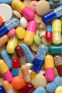 Skullcap herb article main image pills